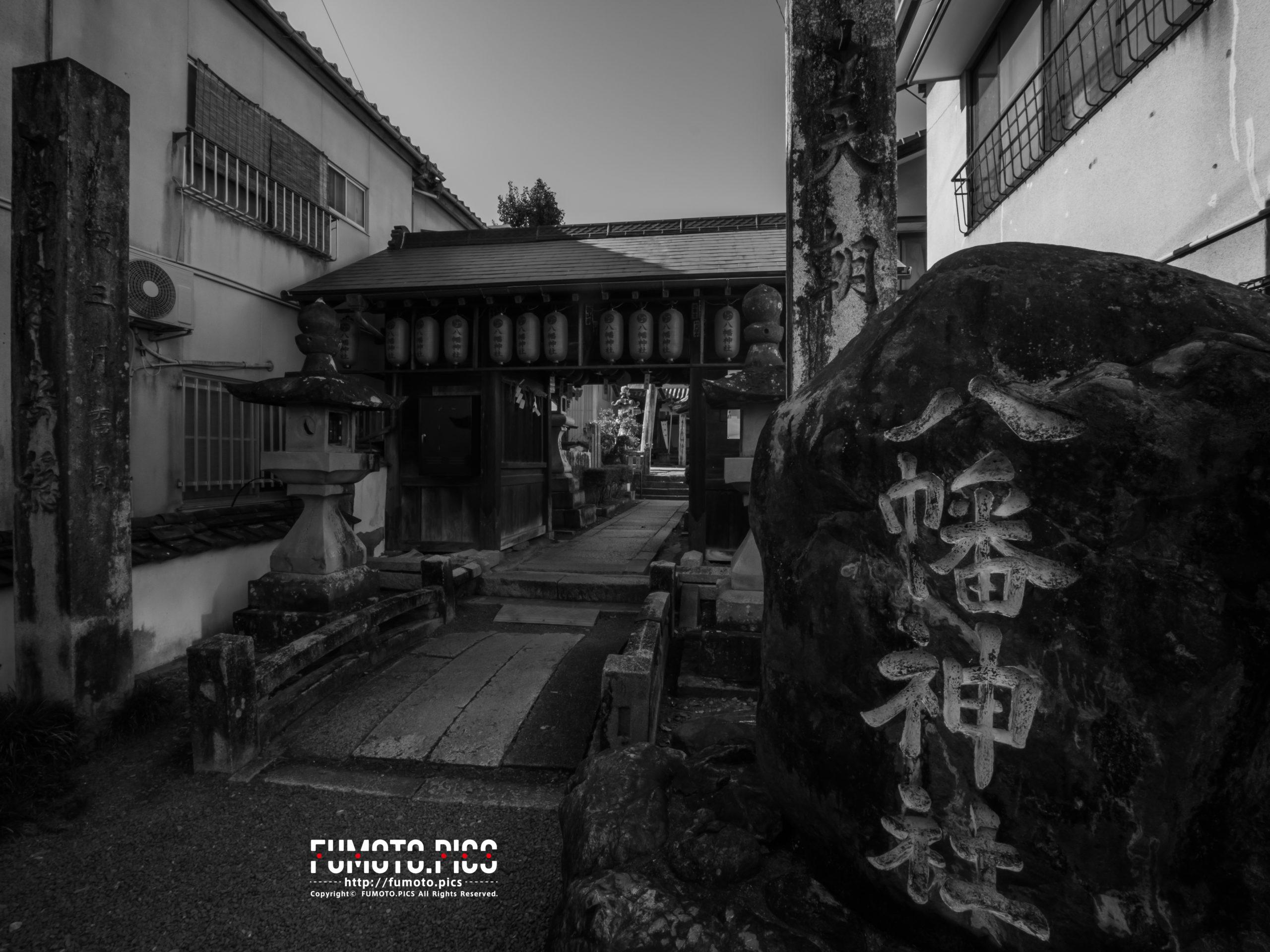 八幡神社は内子町街並み保存区の中央に位置する
