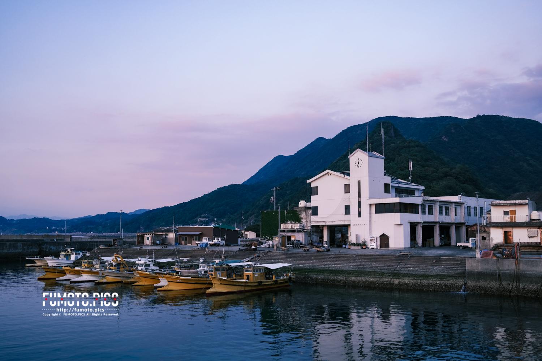 上灘漁港、次は下灘漁港も撮影したい。二つ揃ってこその「双海」だから